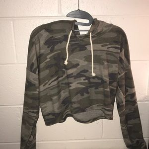 Camouflage cropped hoodie